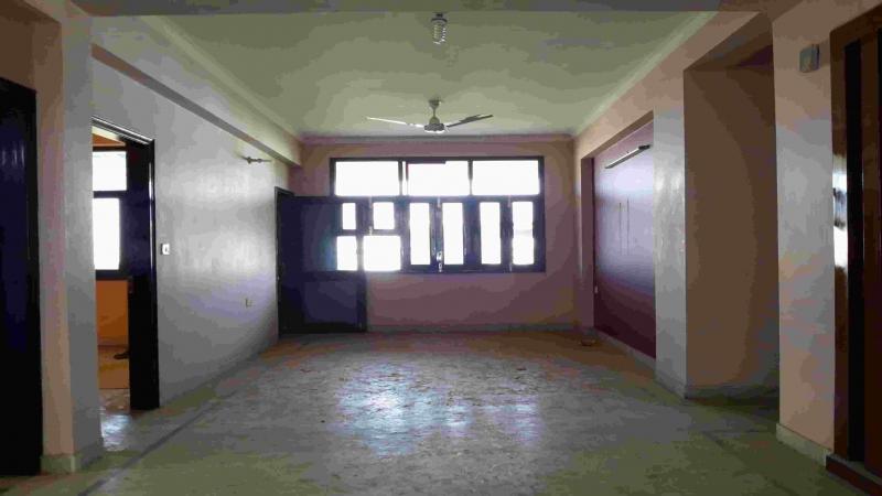 3 BHK Floor for Sale in Uttam Nagar New Delhi - Living Room