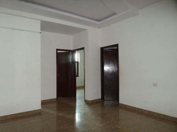 3 BHK Floor for Sale in Ashoka Enclave Faridabad - Living Room