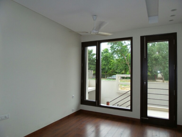 4 BHK Apartment for Rent in Mahindra Aura - Living Room