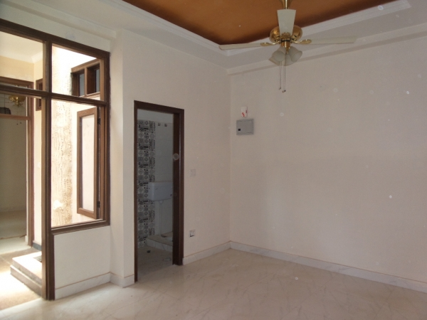 2 BHK Apartment for Rent in Navkunj Apartment - Living Room