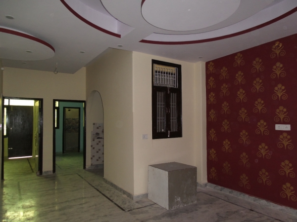 2 BHK Apartment for Rent in Akashdarshan Apartments - Living Room