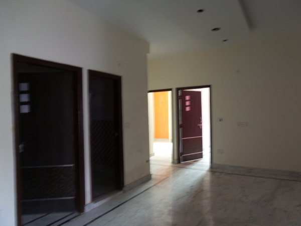 2 BHK Apartment for Rent in Swati Apartment - Living Room