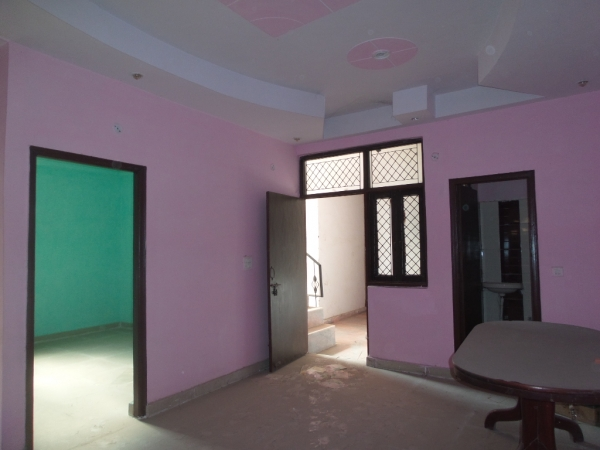 2 BHK Apartment for Rent in Bhagyawan Apartments - Living Room