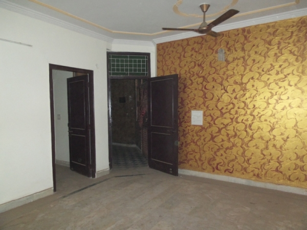 2 BHK Apartment for Rent in Kallol Apartments - Living Room