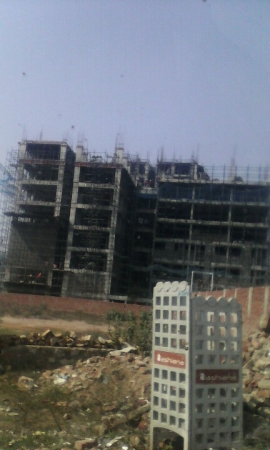 2 BHK Floor for Sale in NH-8 Gurgaon - Exterior View