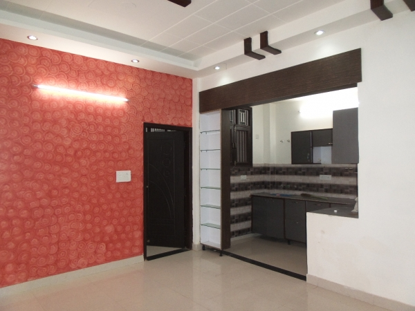 3 BHK Apartment for Sale in Paramount Floraville - Living Room