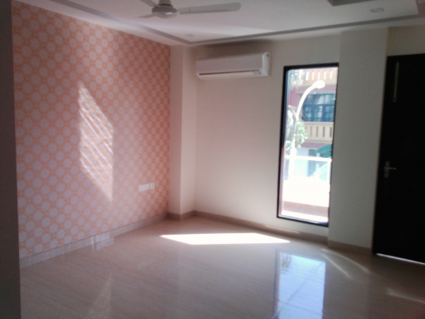 3 BHK Floor for Sale in Sector 57 Gurgaon - Living Room