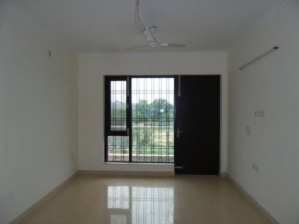 2 BHK Floor for Rent in Suncity Heights - Living Room
